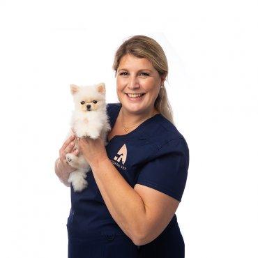 Dr. Erica van Dijk